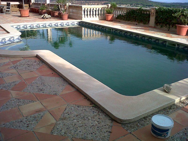 Mantenimiento de piscinas en mallorca podas y jardines for Construccion de piscinas en mallorca